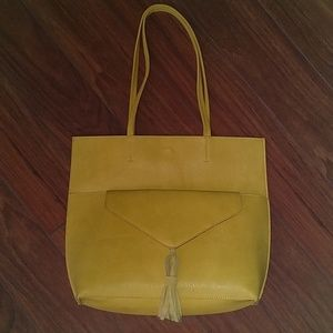 Yellow/gold Leather Purse